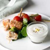 Brochette poisson sauce yaourt gingembre